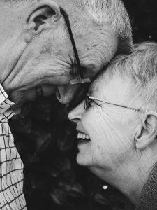 verliefd ouder stel