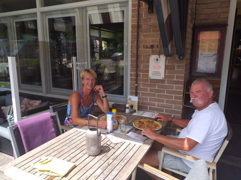 Afke en Harrie uit eten