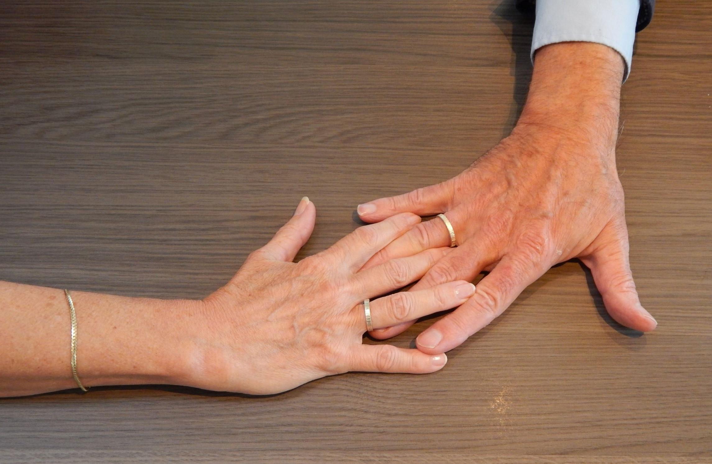 Astrid en Paul handen